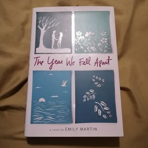 📚2/$10 The Year We Fell Apart Book